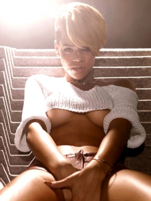 Rihanna's new album is released in November 2010