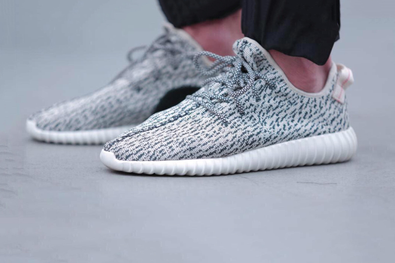 meilleures baskets 2fa3f bd5fe YEEZY BOOST LOW? O ROSHE RUN FLYKNIT SPECIAL EDITION?YEEZY ...
