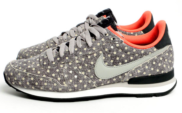 Nike Internationalist Polka Dot