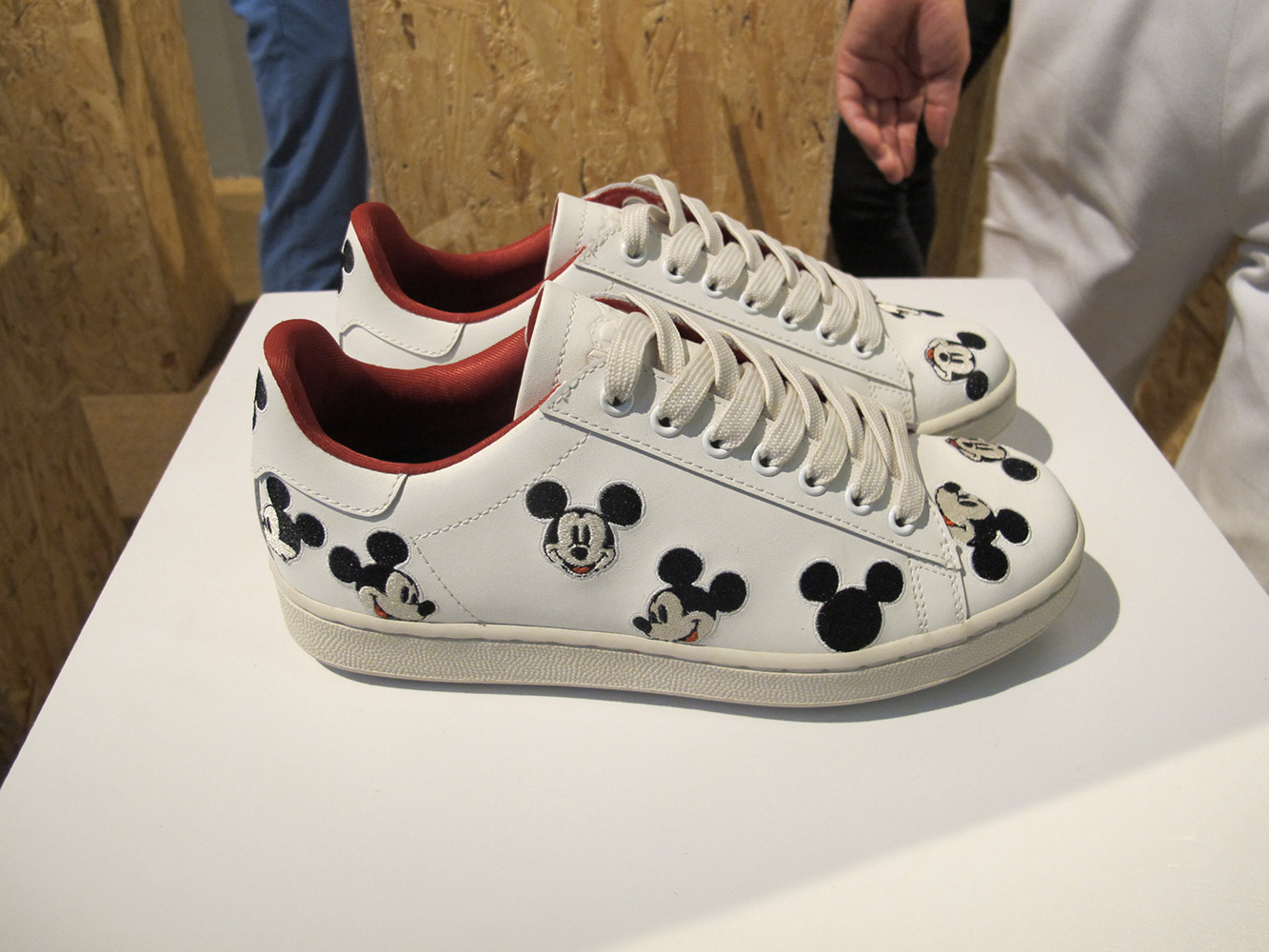stan smith con disegni