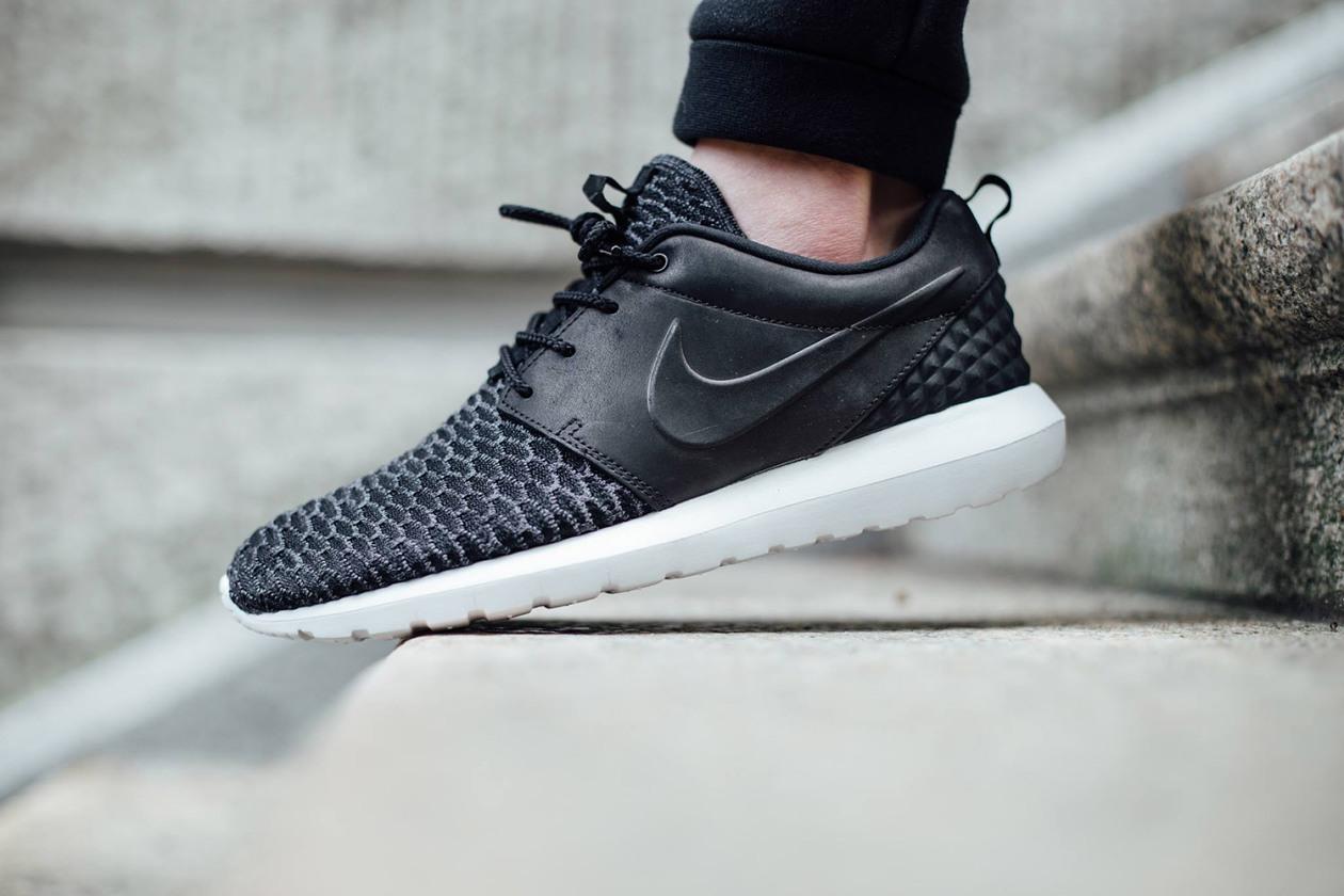 Nike Roshe One Flyknit Nere