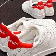Vetements sneakers rivisitano le classiche Stan Smith di Adidas